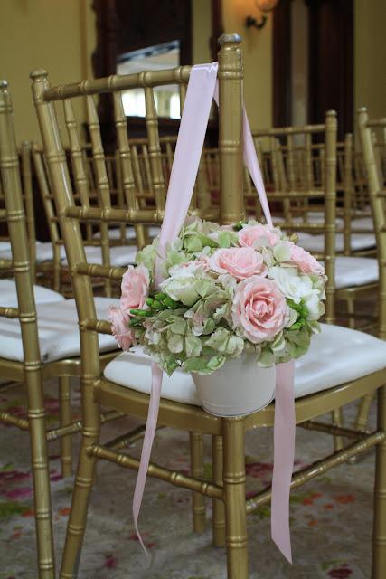 Pew Cone, Pew Bucket - Splendid Stems Floral Designs