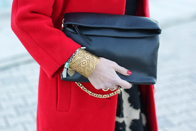 Zara clutch, golden bangle, Fashion and Cookies, fashion blogger