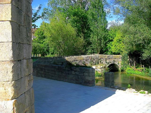 Puente sobre el rio Ebro en Nestares