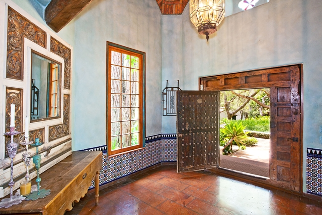Hallway of the Mel Gibson's house with entrance doors