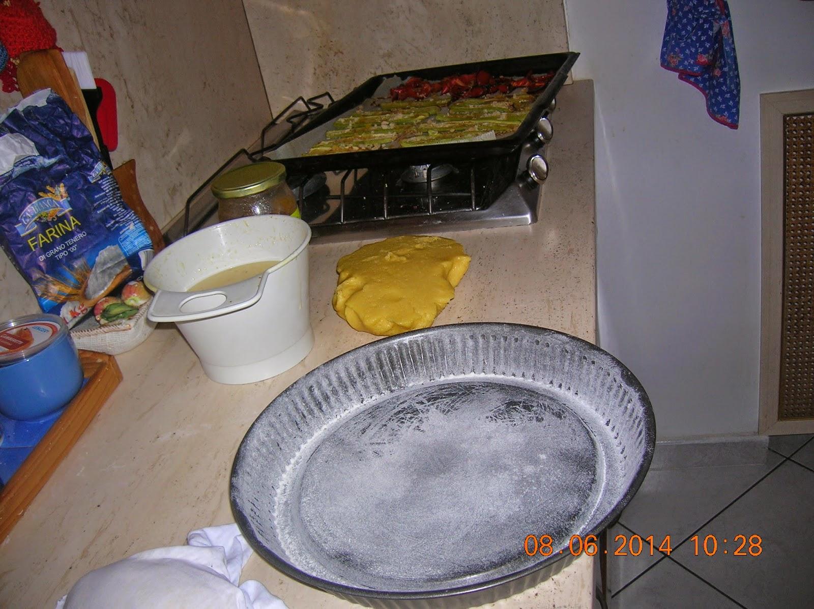 crostata di marmellata morbida - crepes dolci farcite - roselline di mele a modo mio - tiramisu  alle fragole  a modo mio