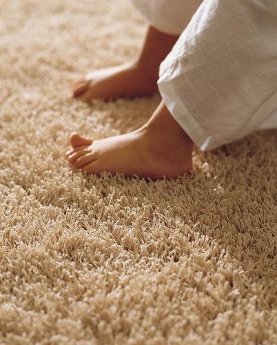 Quiroz h bitat y arquitectura la alfombra para tu casa comb nala con madera o piso - Alfombras para alergicos ...