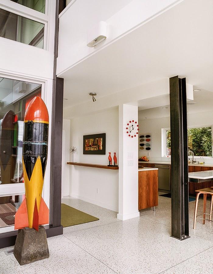 Moderne Architektur mit Mid-Century Design - gelungene Kombination zum Wohnen und Entspannen
