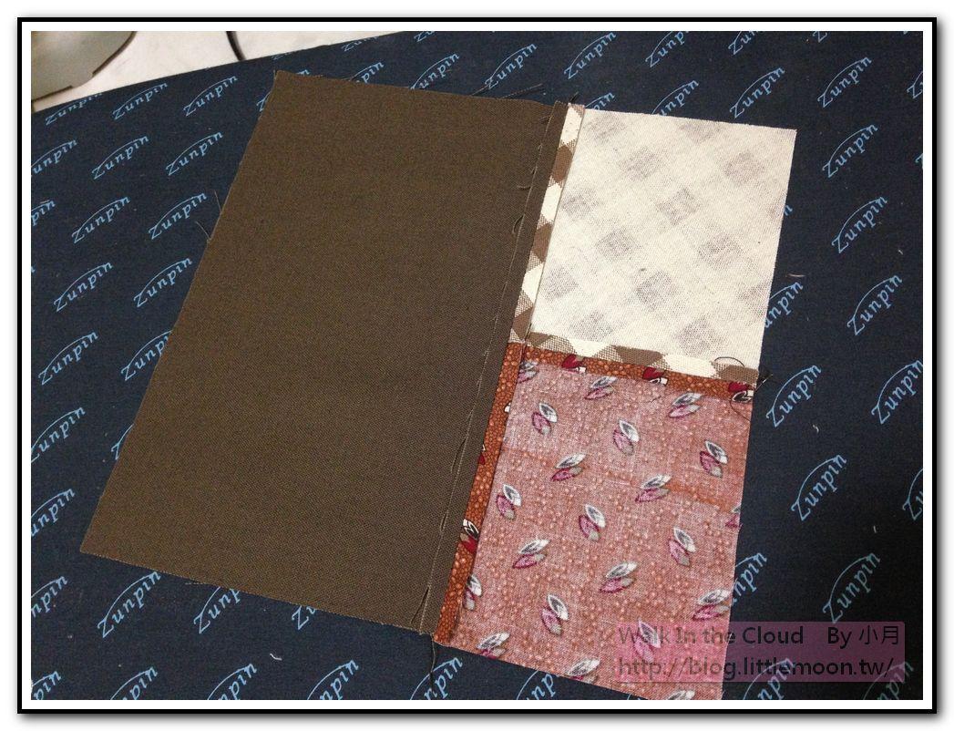 表袋身與配色布固定並燙開縫份