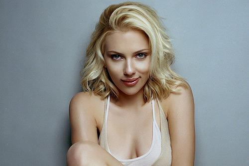 der Scarlett Johansson Nackt-Bilder im World Wide Web vermeldete