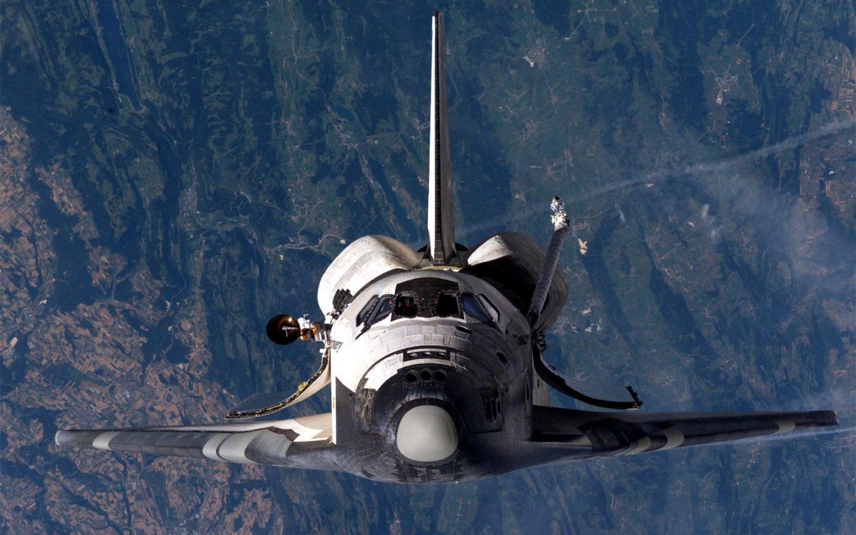 http://2.bp.blogspot.com/-lzEuva7G1Ns/ToUIZjKEqfI/AAAAAAAAA44/TRsuoUCxhsk/s1600/SS_Discovery_Near_ISS1.jpg