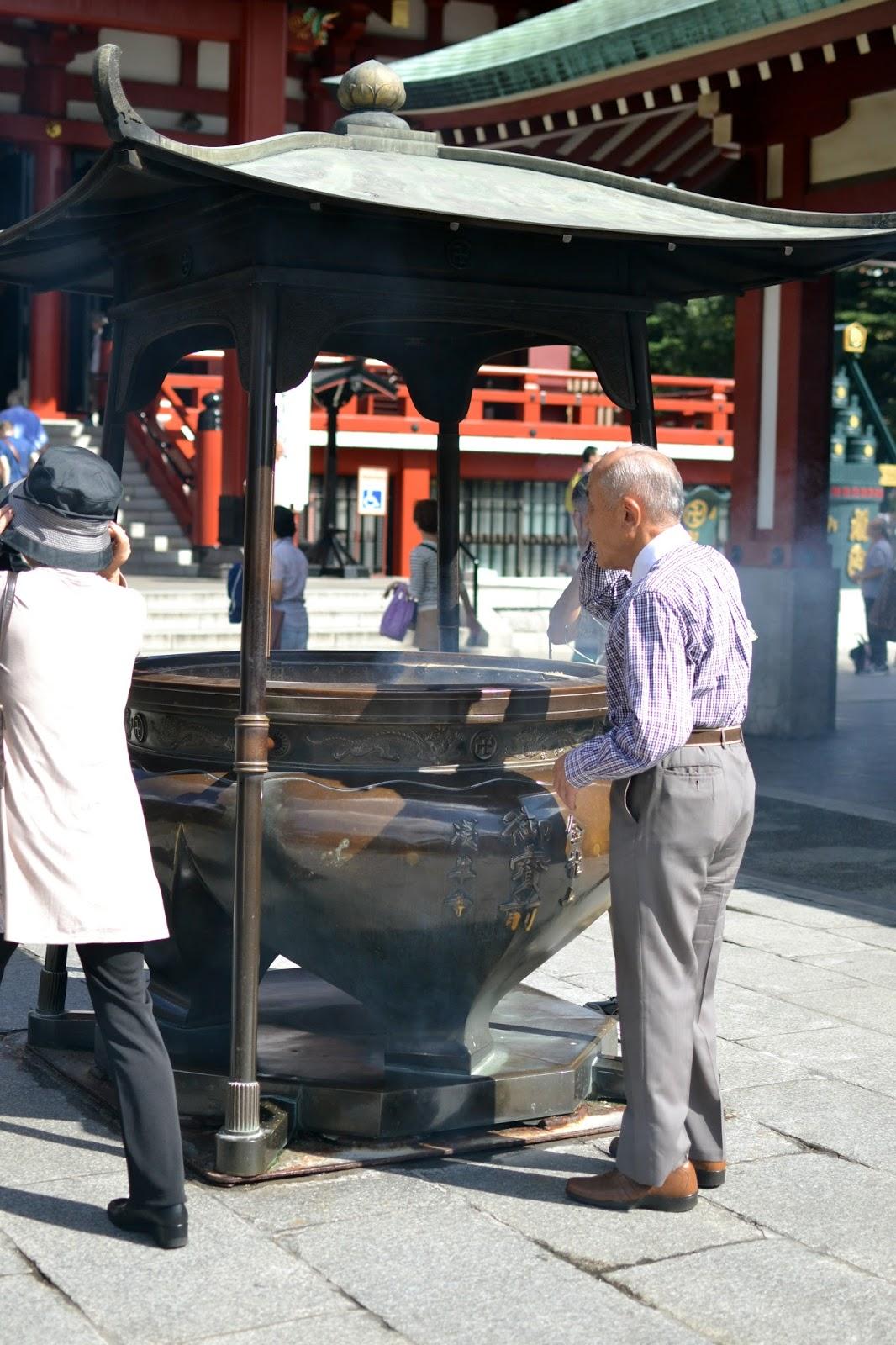 Smoke, Sensoji temple, Tokyo, shinto, buddhist, Japan, must do tokyo