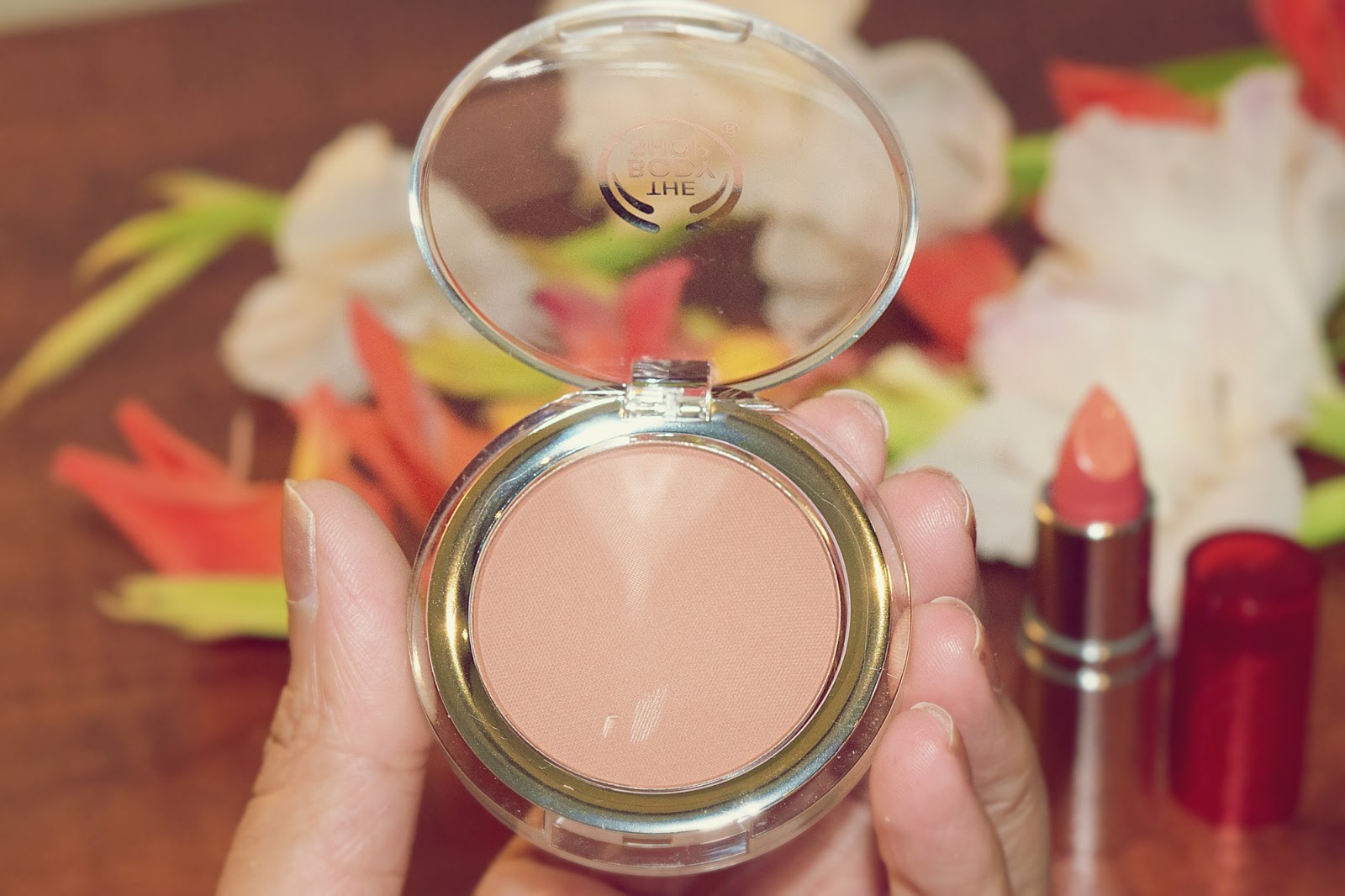 The Body Shop All-In-One Cheek Color in 09 Truffle
