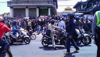 Bali Terlibat Bentrokan Jalan Cargo