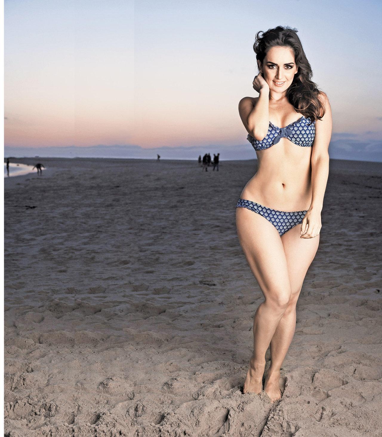 Ana de la Reguera in bikini at beach, Ana de la Reguera beach pics,