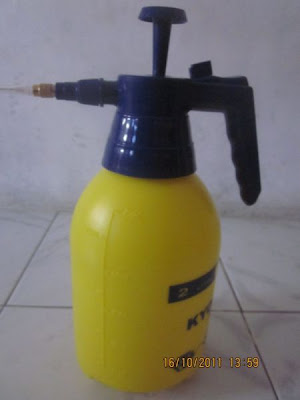 http://2.bp.blogspot.com/-lzmht84l7oY/T0xrT0Y_frI/AAAAAAAABhk/NdmLZt1HNGI/s320/spray.jpg