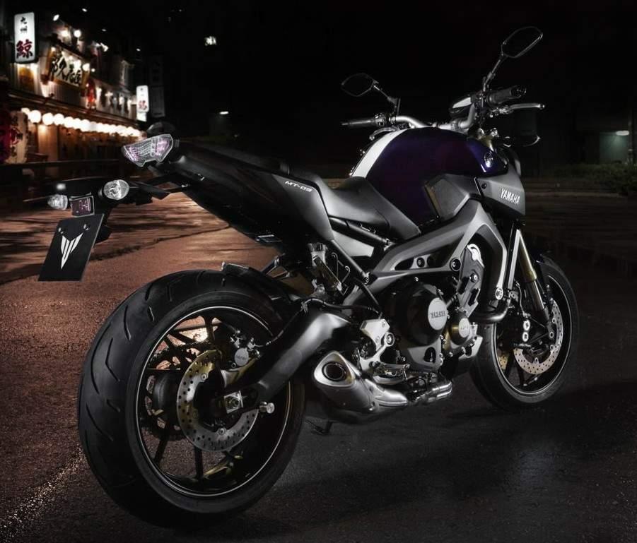 , Foto, Wallpaper Motor Yamaha Terbaru 2014 Yamaha FZ-09 850 Triple