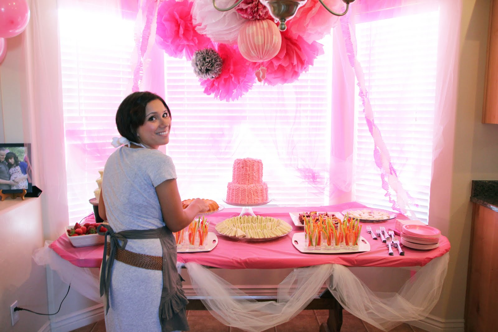 The harker herald baby shower of the century for Baby shower decoration for girl