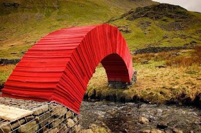 Luar Biasa, Jembatan Ini Terbuat Dari Kertas