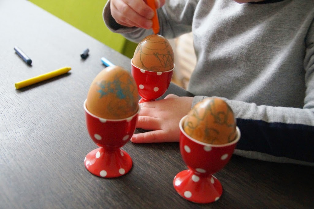 egg painting with crayons