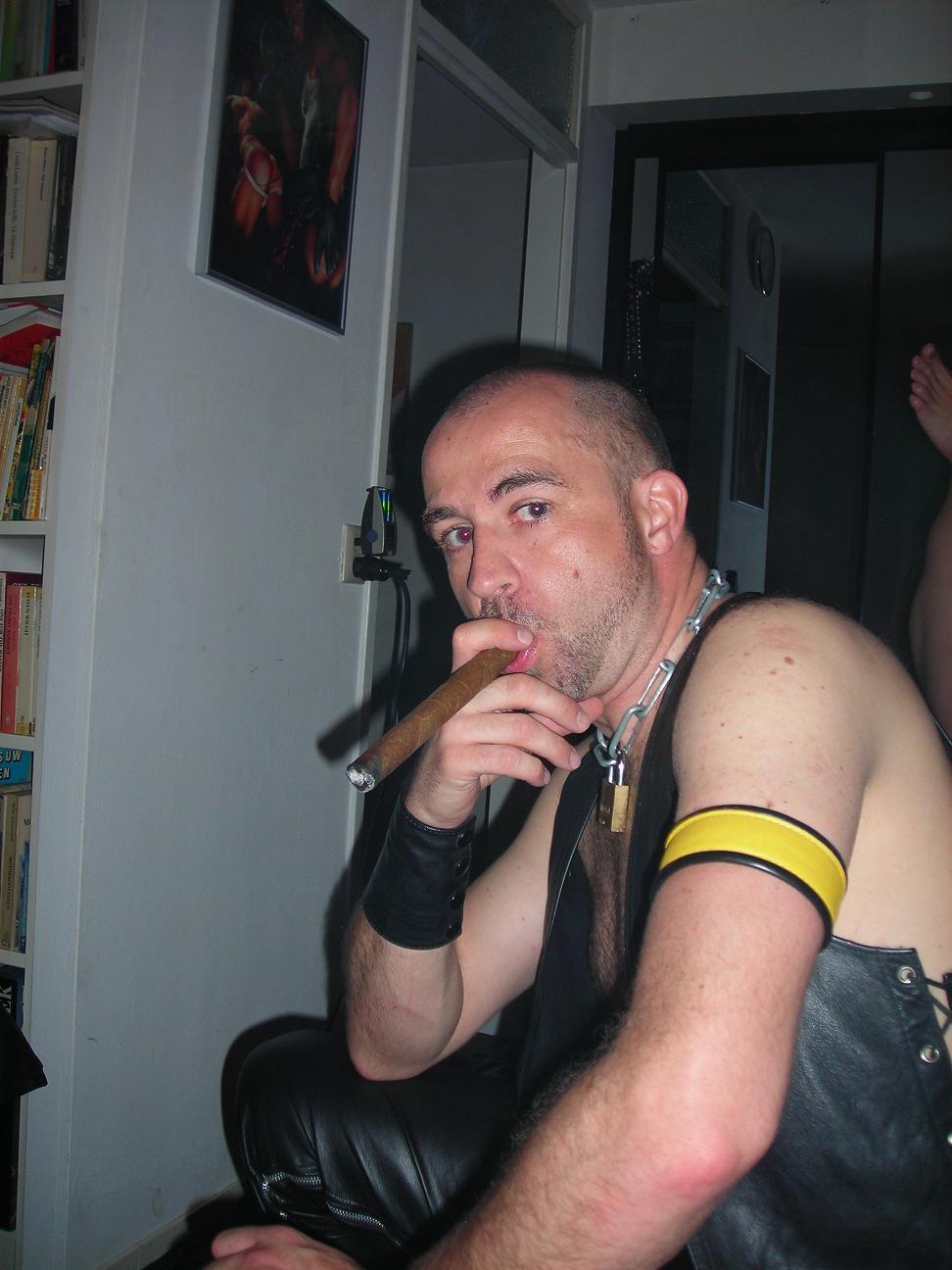 CIGAR SMOKING LEATHER MEN. nude smokers. CIGAR SMOKING LEATHER MEN