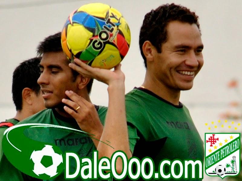 Oriente Petrolero - Gualberto Mojica - Ricky Añez - DaleOoo.com sitio del Club Oriente Petrolero