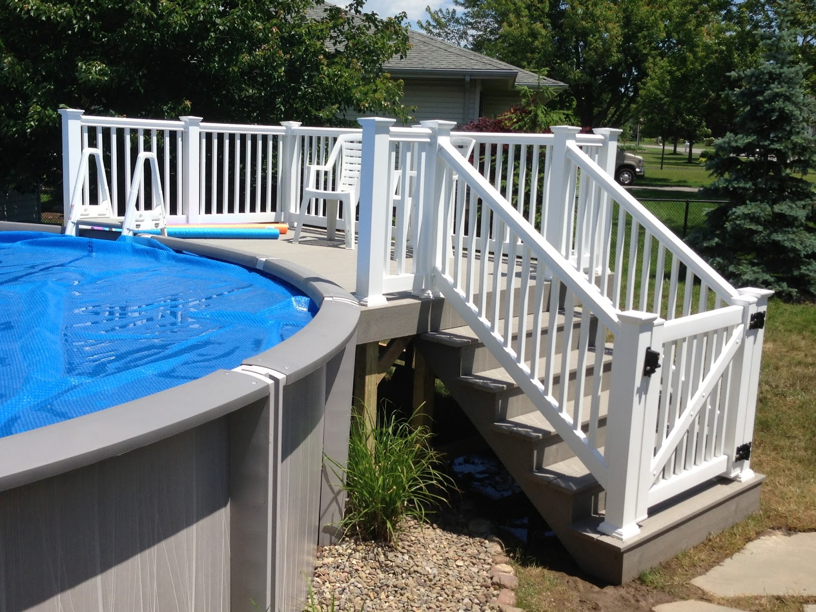 Curry custom decks for Above ground pool gate ideas