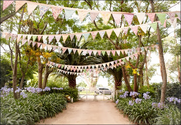 Boda decorada con banderines