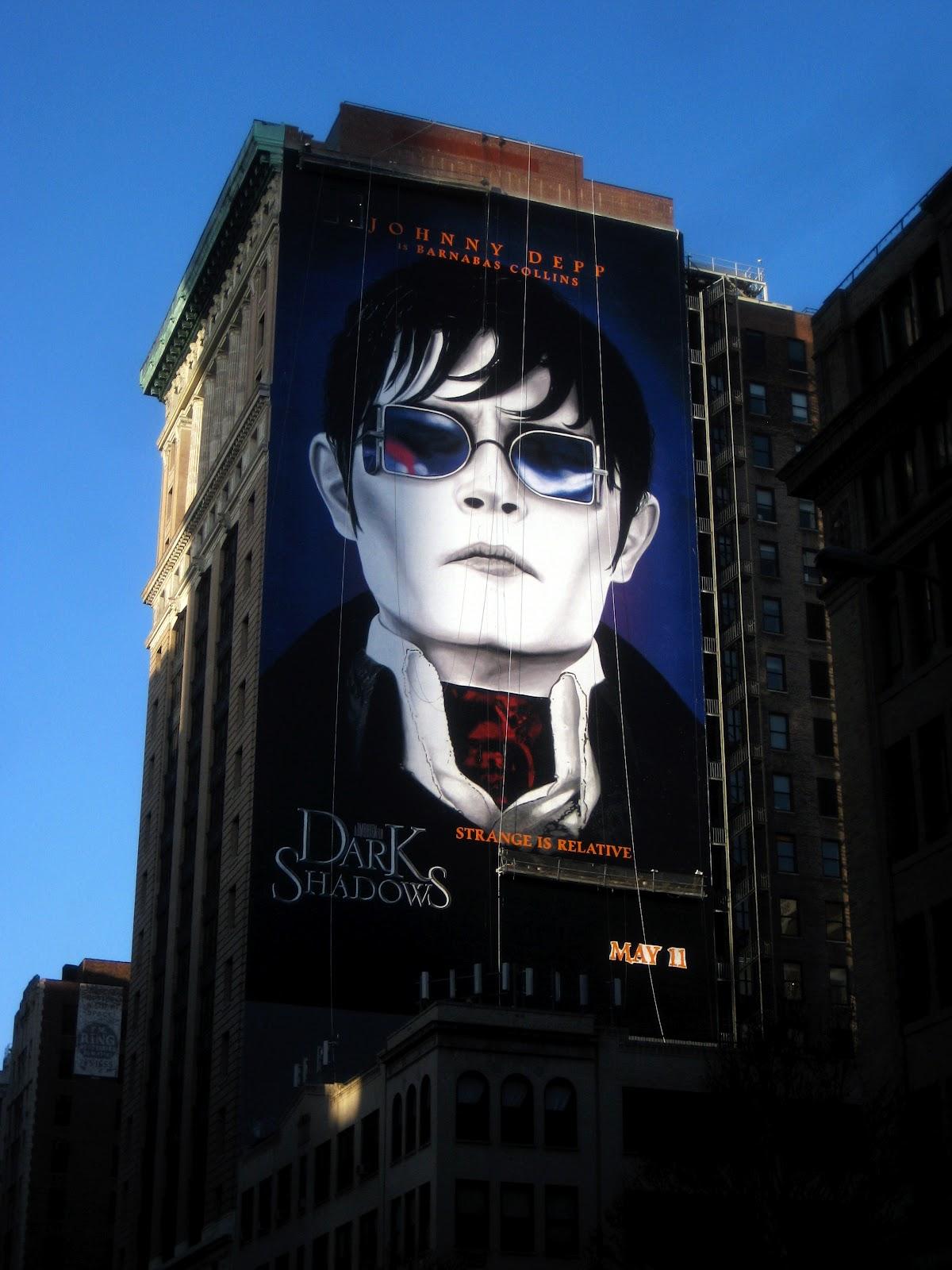 http://2.bp.blogspot.com/-m0U-_GZEZR8/T9VoKiMk9EI/AAAAAAAAGsc/D4Xu0L0U6mg/s1600/Dark-Shadows-2012-Johnny-Depp+movie+review+phistars+poster.jpg