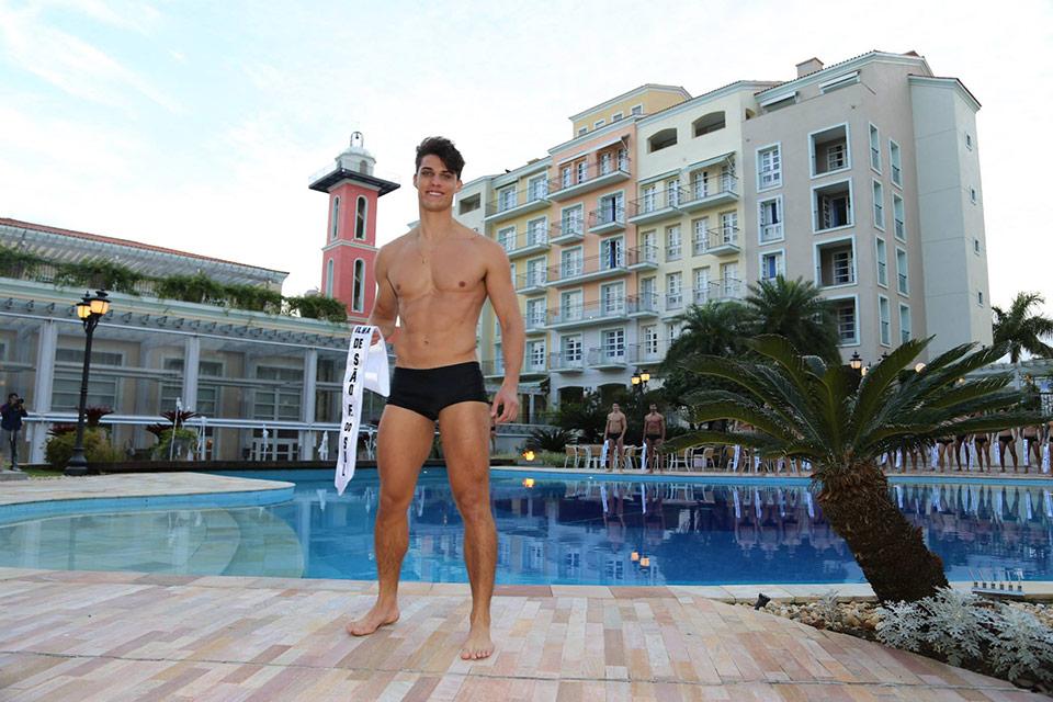 Mister Ilha de São Francisco do Sul - Eduardo Mocelim, 25 anos, 1,88 m - Foto: Leonardo Rodrigues