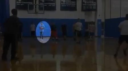 Video Keren : Anak Ini Menghindari Bola Seperti Ninja!