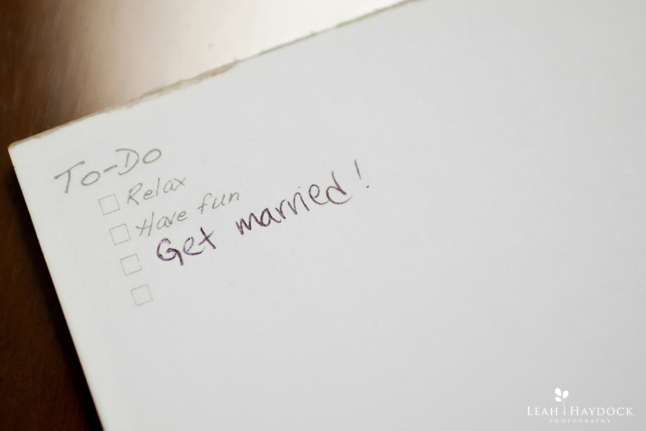 Notepad with to-do list get married