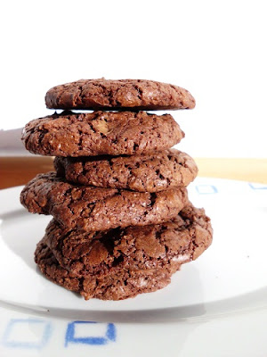 The Best Chocolate Cookies www.happyhealthymotivated.com