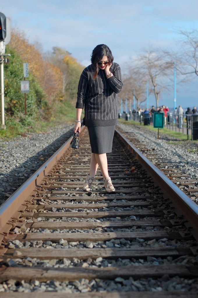 424 Fifth striped wool sweater and pencil skirt