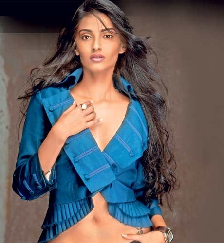 Sonam kapoor hot nude xxx, traci lords naked pussy pictures