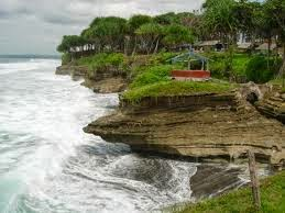 Tebing Pantai Batu Hiu