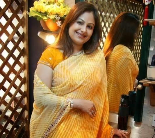 Ayesha Jhulka Wallpapers Free Download