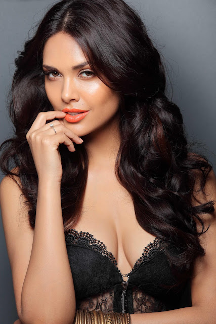 Kamalini mukerjee nude scene in malayalam movie - 2 4