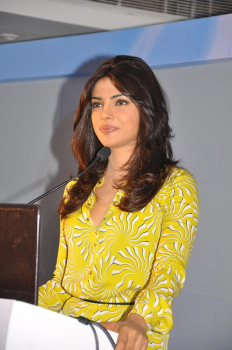 priyanka chopra launches samsung electronics latest photos
