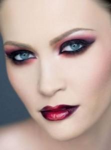 inspirado en un maquillaje de diablesa - Maquillaje Diablesa