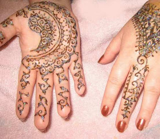 Beautiful Mehndi Design For Hands