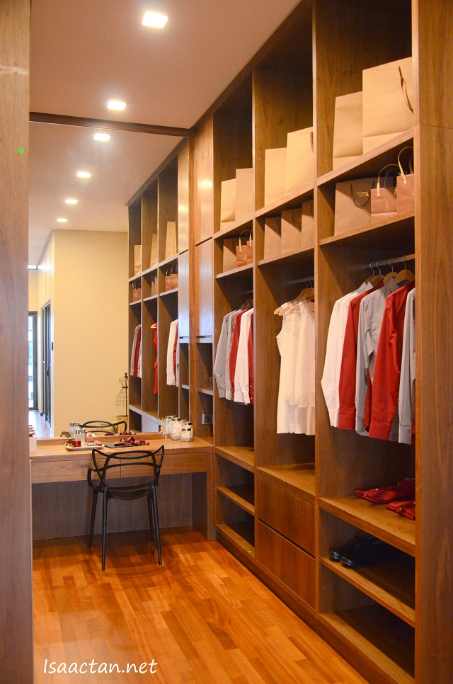 Walk in wardrobe? Yes please.