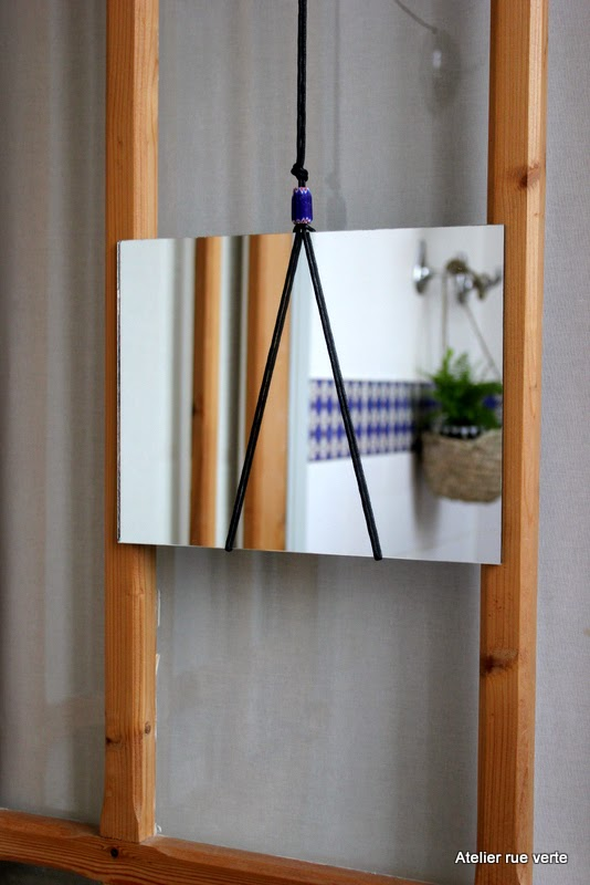 atelier rue verte le blog diy mon petit miroir minimaliste. Black Bedroom Furniture Sets. Home Design Ideas