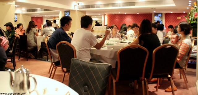 Interior del restaurante Peking Garden de Hong Kong