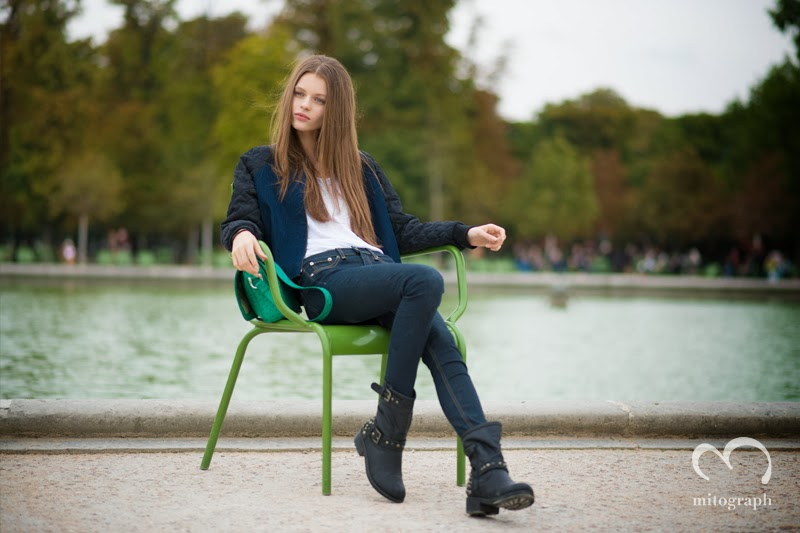 Model Erika Labanauskaite is taking a break time after Valentino 2014 Spring Summer Fashion Show at Paris