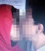 3 Juga Beredar Foto Ciuman Ahmad Fathanah Dengan Sefti