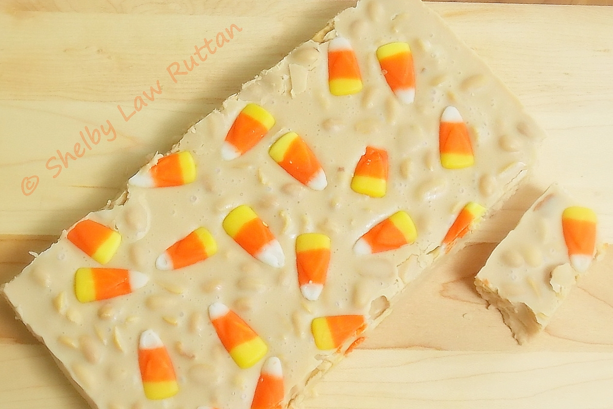 The Life & Loves of Grumpy's Honeybunch: Candy Corn Fudge