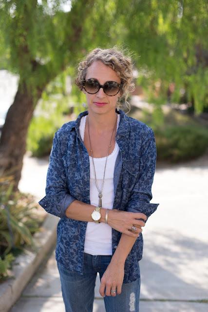 oversized sunglasses, denim chambray shirt