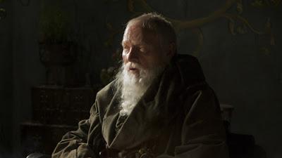 Julian Glover, maestre Pycelle - Juego de Tronos en los siete reinos