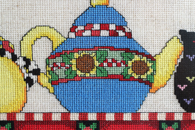 вышитые чайники