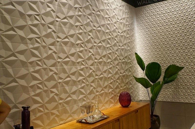 parede com revestimento em alto-relevo da Portinari - Expo Revestir 2014