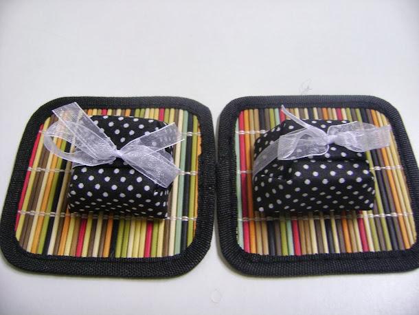 fudges  recheados com amêndoas : compre  em embalagens unitárias para brindes .