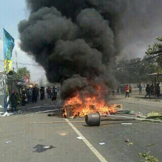 Satu Demonstran Tolak Pabrik Semen di Pati Tertembak