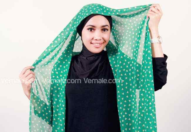 Cara memakai Jilbab Pashmina Chiffon Motif