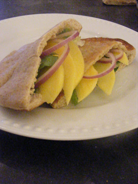 ... Homemaking: {Recipe} Homemade Pita Bread (and Pita Chips too